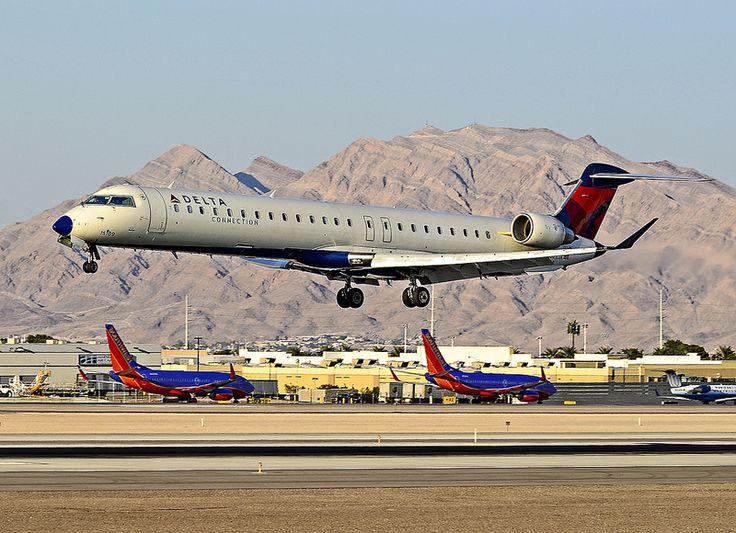 Delta Connection (Skywest Airlines Canadair CL-600-2D24 Regional Jet CRJ-900 N821SK) (cn 15109)