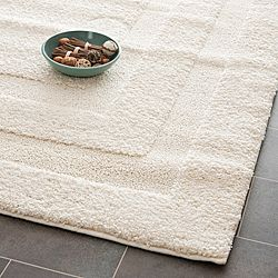 @Overstock.com - Hand-woven Ultimate Cream Shag Rug (5'3 x 7'6) - Add a simple elegance to your home decor with this cream shag rug. This power-loomed shag rug has a luxurious look and feel and attractive square design created from high-low pile. This neutral rug is sure to go great with a variety of color schemes.  http://www.overstock.com/Home-Garden/Hand-woven-Ultimate-Cream-Shag-Rug-53-x-76/5773088/product.html?CID=214117 $117.55