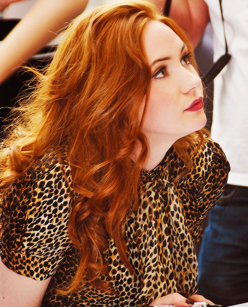 Karen Gillan. I love the colour and the body here. Ever so grateful for Caca Marron (which is about this colour on my blonde hair).