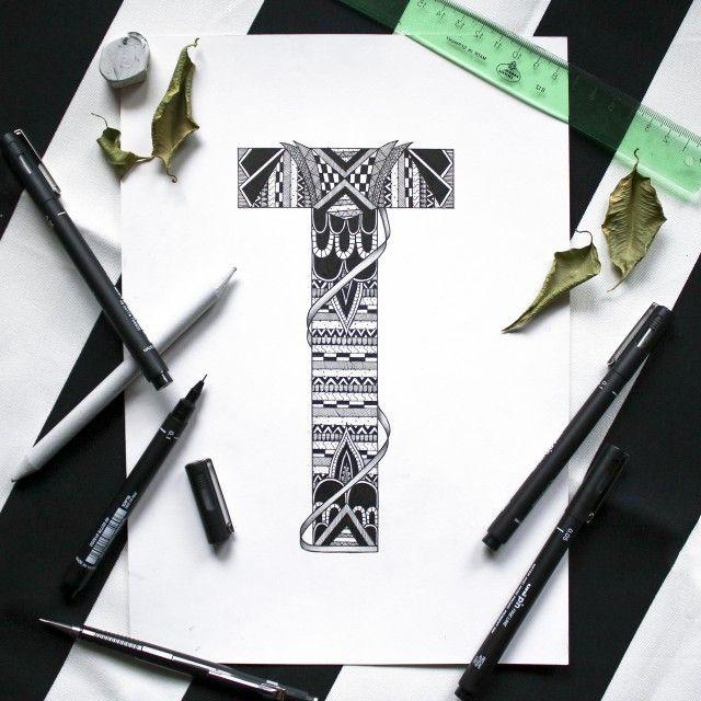 TILLY art print. @blacklinesart. www.blacklines.se #kitchen #rustic #kitchengoals #inspiration #details #wallart #tavelvägg #photowall #artist #drawing #art #blacklinesart #blackandwhite #illustration #homeinspo #artprints #artprint #poster #black #white #interior #scandinavian #swedish #design #patterns #zentangle #letter #letters #abc #designletters #animal #animals