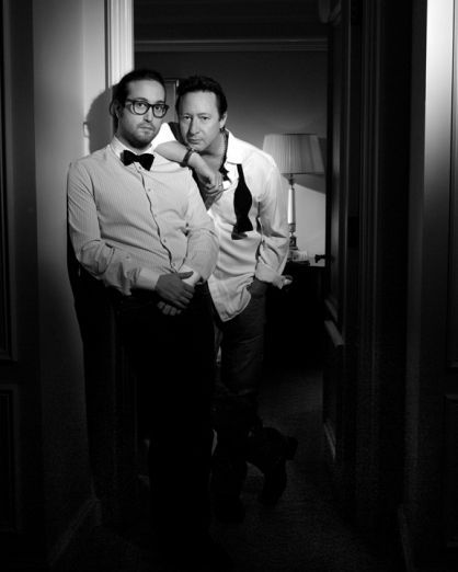 Sean y Julian. Portfolios | Timothy White