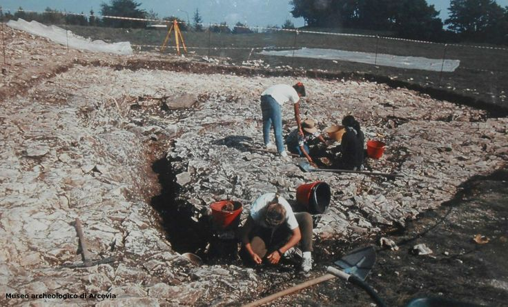 The Bronze Age site of Monte Santa Croce in a photo of the archaeological dig in 1995