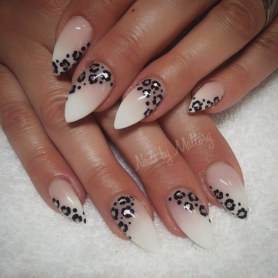 Long gel nails with beautiful Leo details - LadyStyle #beautiful #details #ladystyle #nails
