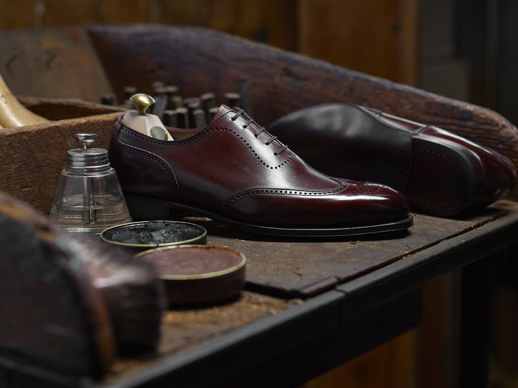 Canterbury, an oxford shoe with an imitation u-throat and wing cap. Made using the finest calf leather, expertly hand polish with exaggerated hand burnishing and bark tanned single leather soles. From the Hand Grade collection.