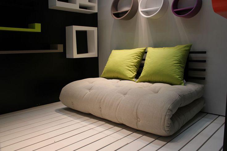 Per chi cerca un esclusivo letto futon scopri il Divano Letto Futon SHIN SANO in legno nero