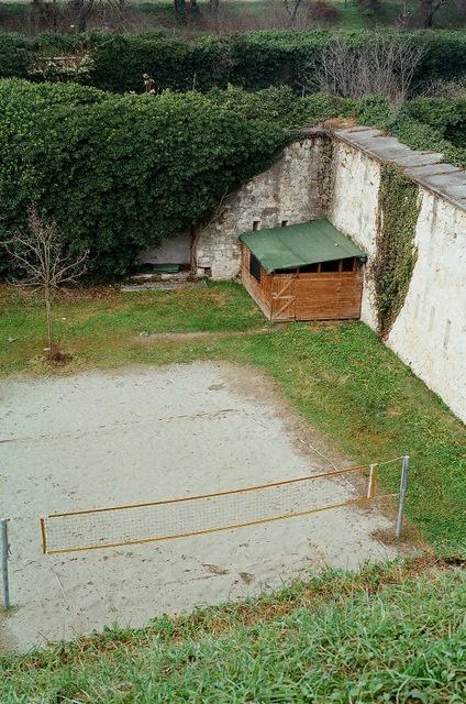 Campetto di pallavolo tra le mura veneziane e austriache vicino a Porta Palio - Verona 2012