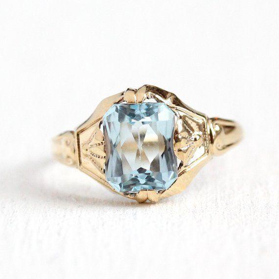 c1e854f5f6c06 Stunning vintage Art Deco Era 10k yellow gold ring featuring a ...