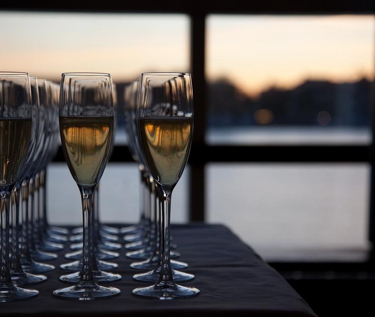 Drinkar med utsikt. (Drinks with a view over Stockholm).