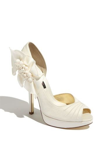 love these shoes: Ideas, Fashion, Wedding Shoes, Shoes Sho, Bridesmaid Shoes, Pump, Nina Neva, Bridal Shoes, Brides Shoes