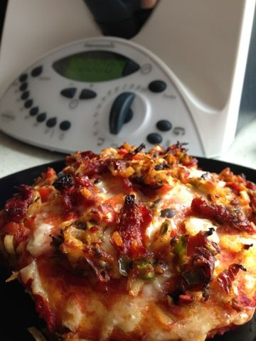 Pizza Buns in the Thermomix simplythermomix.blogspot.com Easy, Kids, Lunch, Pizza, Quick, Simple, Snack, Thermomix, Vegetarian, Roll, Bun, Dough