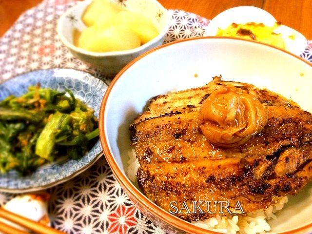 いわし蒲焼丼・菜の花醤油麹ナムル・大根煮もの・スイートポテト - 8件のもぐもぐ - いわし蒲焼丼 by saddan
