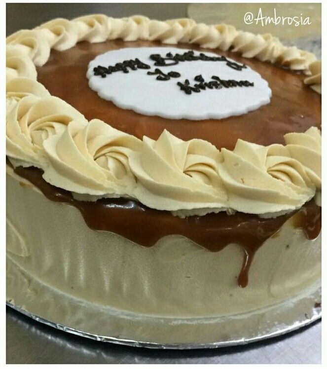 Salted Caramel Cake *Drizzle Drools* #Caramel #Cakes #Pastries #FoodLove #Ambrosia