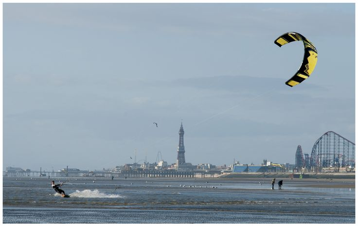 https://flic.kr/p/t1gjMc | kite surfer squires gate blackpool may 2015