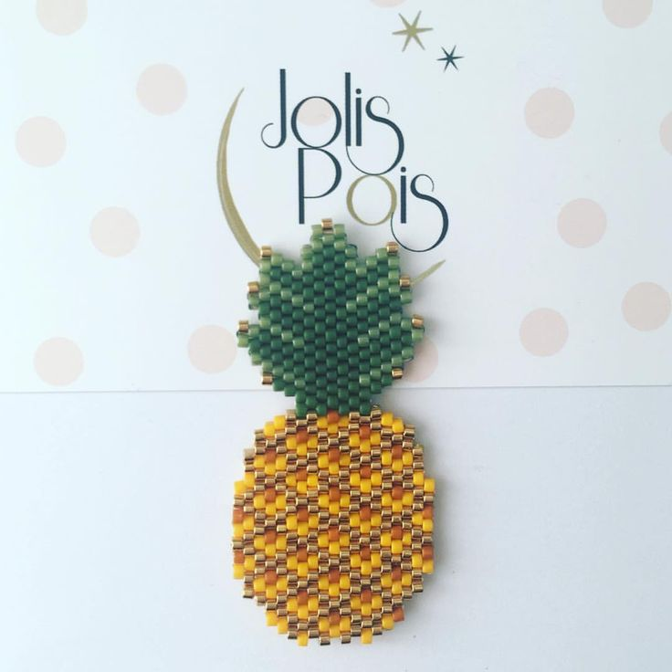 """164 mentions J'aime, 12 commentaires - Jolis Pois (@jolispois) sur Instagram : """"Je m'appelle Victoria, et cette année sera certainement encore une année pineapple  #Jolispois…"""""""