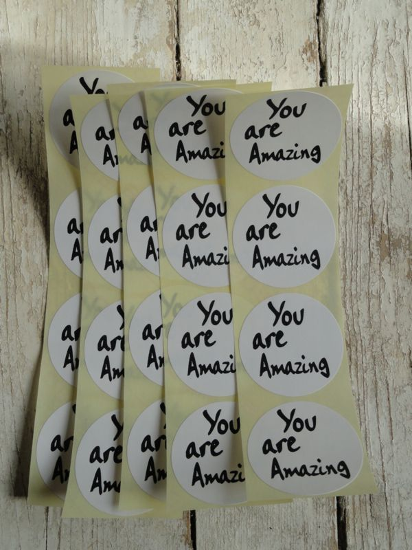 "Sticker ""You are Amazing"" zwart wit"