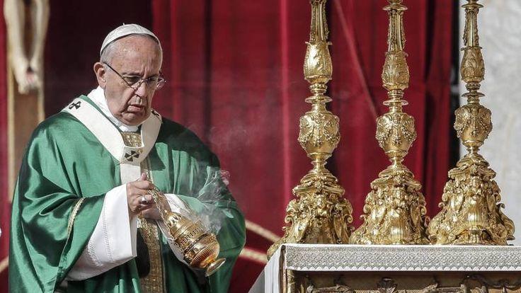 Paus benoemt zeventien nieuwe kardinalen - NOS
