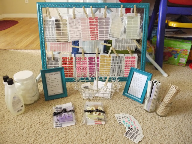 jamberry party display. chicken wire frame CUTE!