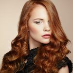 10 formale Frisuren für wirklich langes Haar