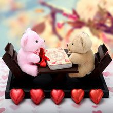 A good gift for men: Teddy Love Date at giftforeveryone.in