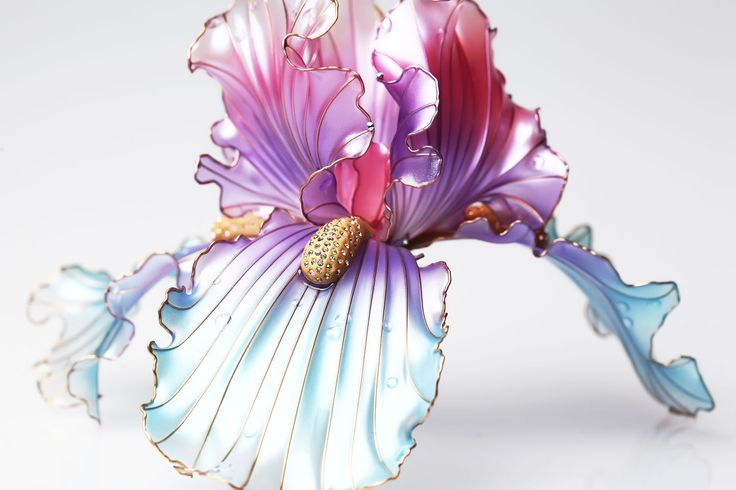 Large lilac Iris, Transparent flower, Unusual jewelery for hair from Elena (Crystal Flora, hair accessory, kanzashi, of synthetic resin and wire, American flowers, it is not kanzashi by Sakae, luxury jewelry, wedding decorations, wedding flowers, transparent flowers)