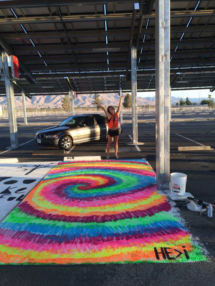 Senior Year parking spot '2016'  easy spray paint idea