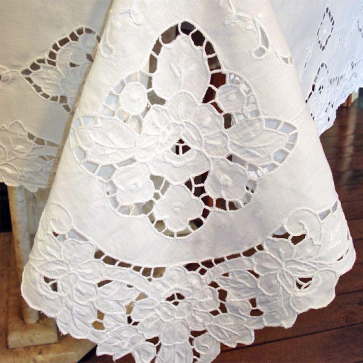 Vintage set of 4 madeira hand embroidered linen place mats~needlelace fillings - Поиск в Google
