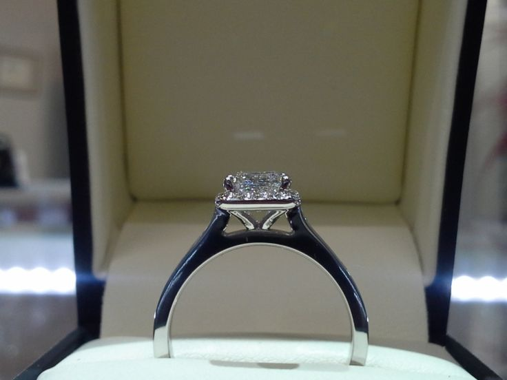 Custom Design Ring - By Frontenac Jewellers. #ygkingston #canadian