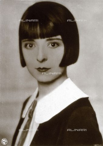 Half-length portrait of the movie actress Colleen Moore 1920-1930 (c)Verchi Marialieta Collection Fratelli Alinari Museum Collections, Florence