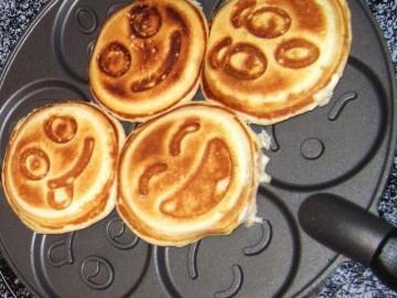 Smiley Face Pancake Pan -$36