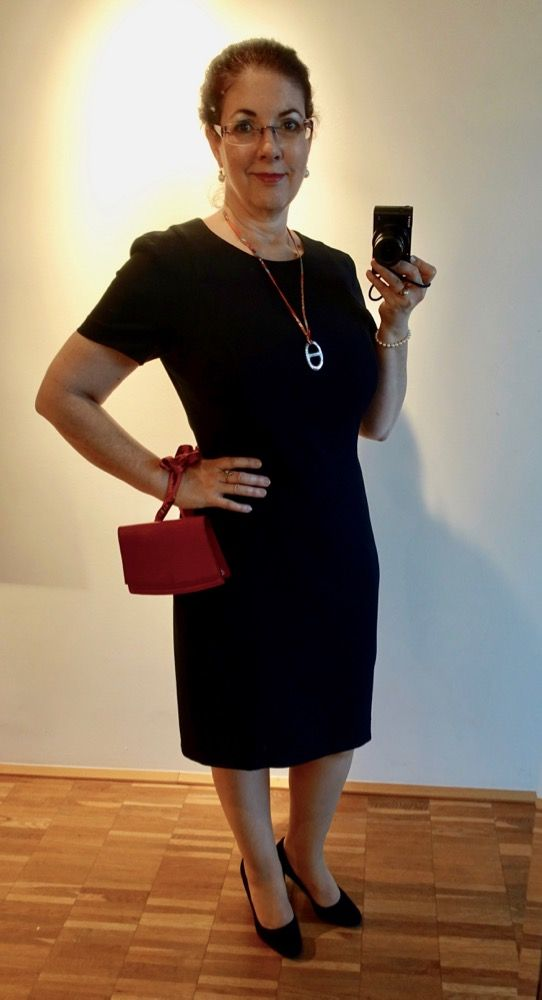 How I Wear My: Red Hot Louis Vuitton vintage Tilsitt Episode leather pochette - HappyFace313