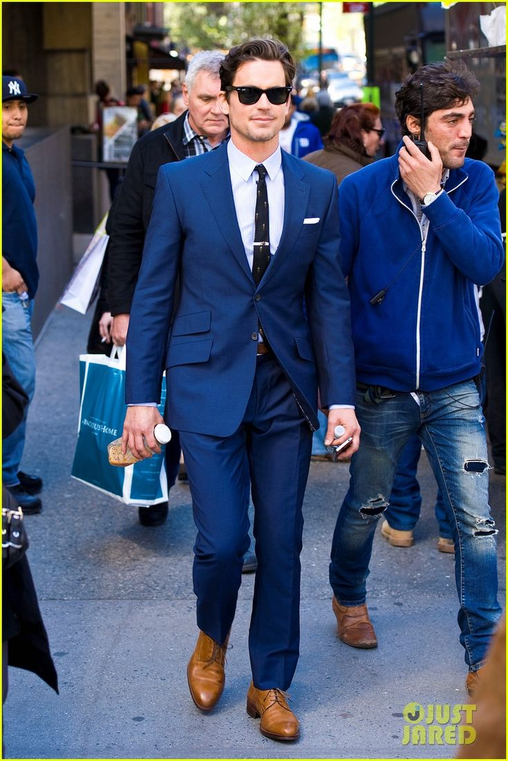 Matt Bomer on 'Glee': 'It's Not All About Shaking My Crotch!' | matt bomer blue suit white collar 04 - Photo