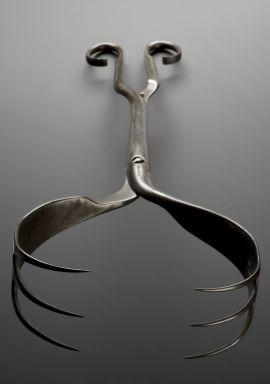 YIKES!!!!!!  OBGYN Cephalotribe; obstetric tool, Geneva, Switzerland, 1750-1850  Credits: Science Museum London