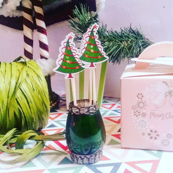 toppers de Navidad con arbolitos (10 cms) pedidos y catálogo: detallisime@yahoo.es