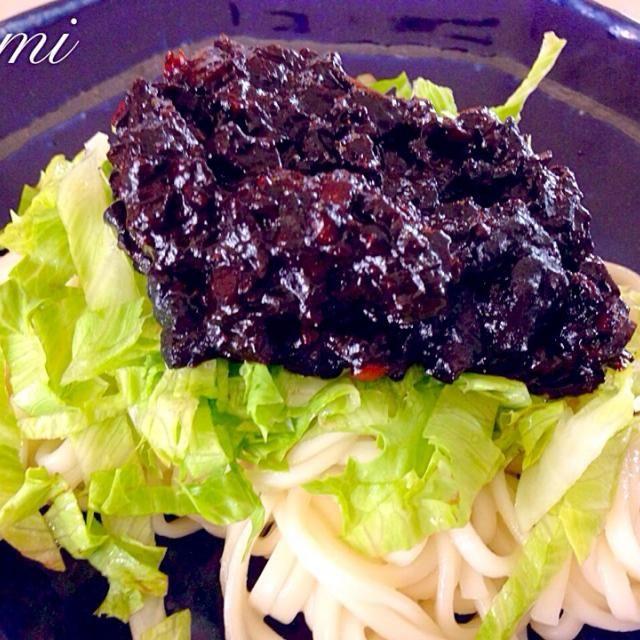 新大久保で買った、韓国の味噌でジャージャー麺を。 麺も中華麺ではなく、細麺のうどんで韓国のジャージャー麺風に作ってみました(*^^*) - 48件のもぐもぐ - ジャージャー麺 by kuchyan0318