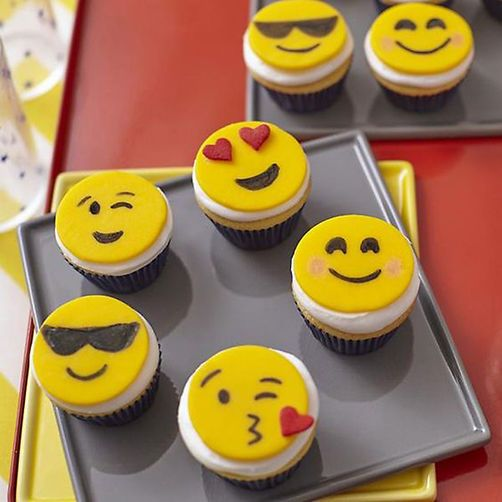cupcake emoji for iphone emoji mini cupcakes cupcakes amp muffins 6434