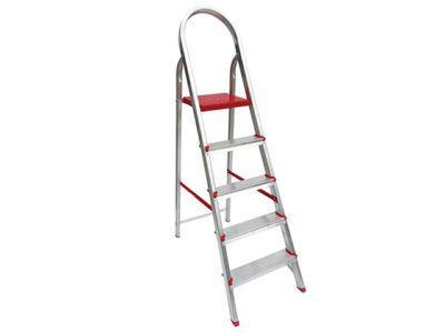 escada de aluminio com detalhes em vermelho