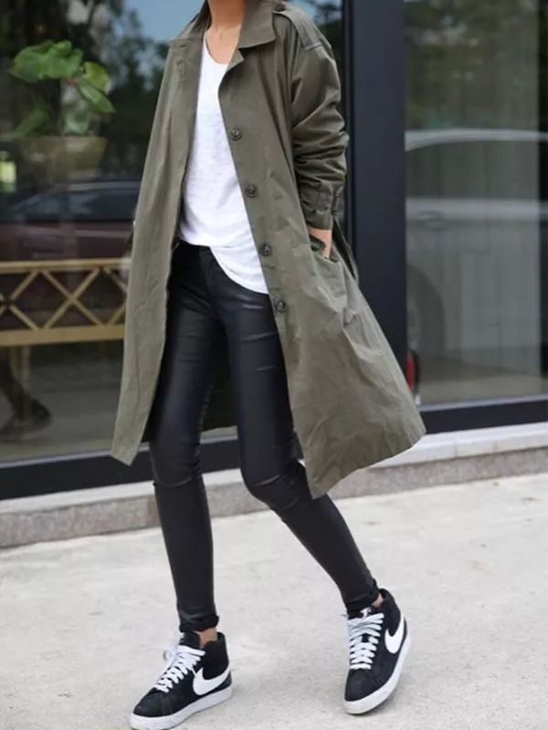 street-style-trench-coat-sneakers