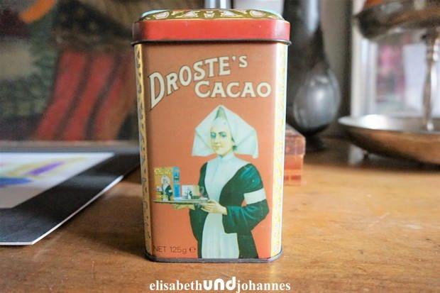 retro vintage brocante Droste cacao blikje met fraaie afbeeldingen van een oude trein / in goede vintage staat / export blik