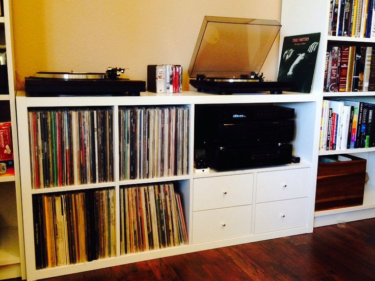 ikea kallax 2x4 hack album on imgur basement family room pinterest vinyls the o 39 jays. Black Bedroom Furniture Sets. Home Design Ideas
