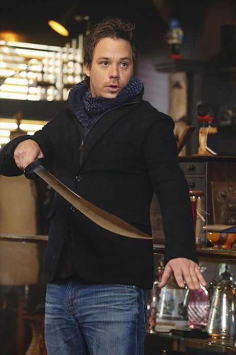 Will Everyone Discover Neal Is Alive? What's Ariel Like? OUAT Bosses Reveal...