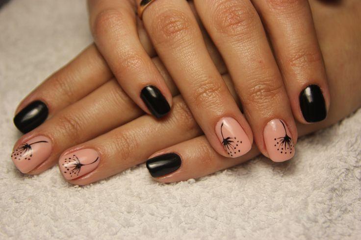 Маникюр. Гель-лак. Рисунок  одуванчика на ногтях. Мило и нежно.