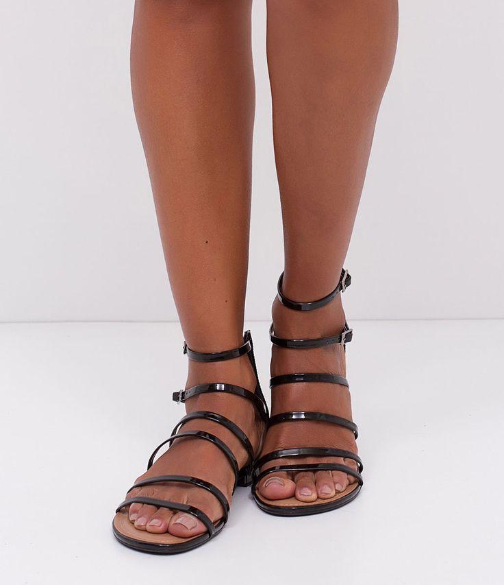 Sandália feminina    Material: sintético    Com tiras     Marca: Satinato    Rasteira             COLEÇÃO VERÃO 2017             Veja outras opções de    sandálias femininas.                Sobre a marca Satinato         A Satinato possui uma coleção de sapatos, bolsas e acessórios cheios de tendências de moda. 90% dos seus produtos são em couro. A principal característica dos Sapatos Santinato são o conforto, moda e qualidade! Com diferentes opções e estilos de sapatos, bolsas e…