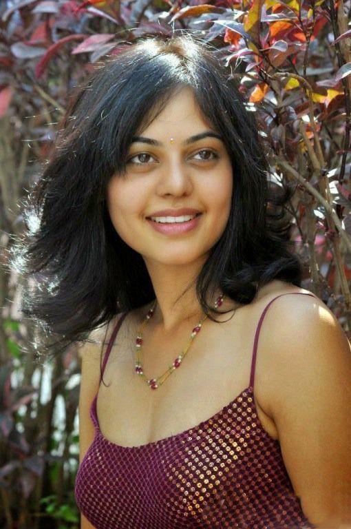 Bindu Madhavi Actress Photos
