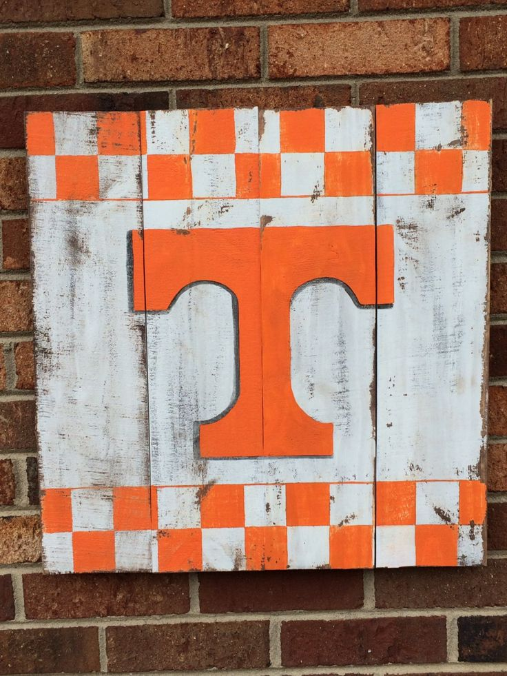 University Of Tennessee Reclaimed Pallet Sign 20 Quot Square