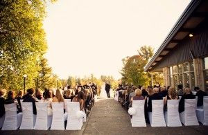 fall wedding ceremony at the Whitlock Golf Club mariage // Cérémonie de mariage d'automne au Whitlock Golf & Country Club #golfwedding #montreal #unikevent #weddingplanner