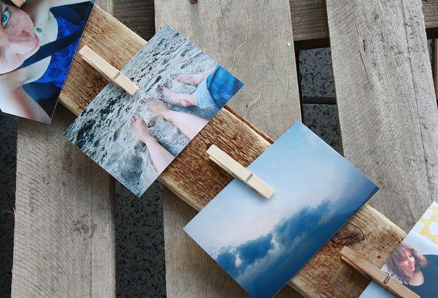 Holzbrett mit Wäscheklammern für Notizen & Photos. Ui!