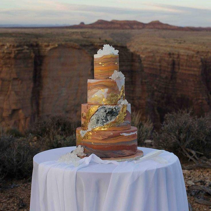 Follow @cake_wedding for amazing cake insp Photo @greenweddingshoes #wedding #weddingcake