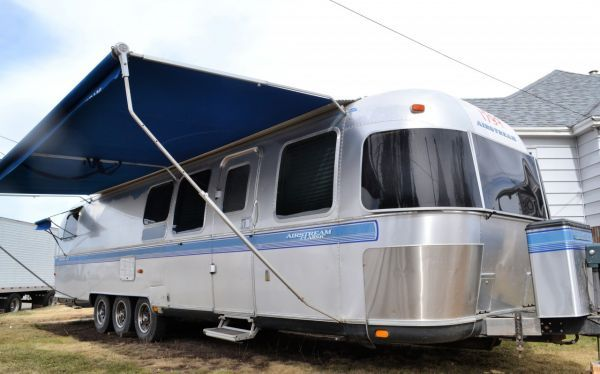 1999 Excella Triple Axle 35′ - 5 Awnings | Airstream ...