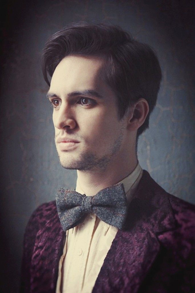 Brendon Urie Of Panic! At The Disco..... SO DELICIOUS. what a beauty he is