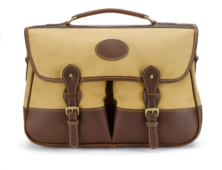 This English made Tusting holdall would be a beautiful gift to open this Christmas. Available at www.thetannery.co.uk #Christmas #giftideas